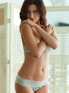 Adriana-Lima-profile