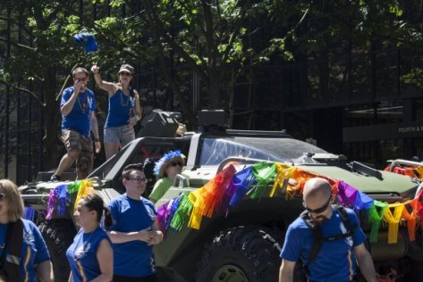 413772b43e10ae3c03ef93379dee465c-halo-warthog-shows-up-at-gay-pride-parade